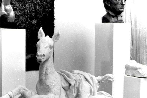 42-tyutchev-vladimira-tsimmerlinga-na-vsesoyuznoj-vystavke-gobelena-i-skulptury-moskva-1986-prochie-skulptury-ne-prinadlezhat-vladimiru-tsimmerlingu5E347327-3E5F-F02F-5BA8-EF1DC08273B8.jpg